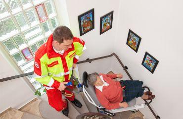 LIFTKAR Treppensteiger auch für Wendeltreppe im professionellen Krankentransport