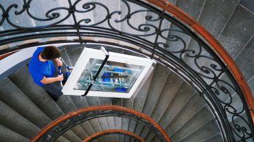LIFTKAR SAL Fold Treppensteiger mit schwerem Fenster auf  Wendeltreppe
